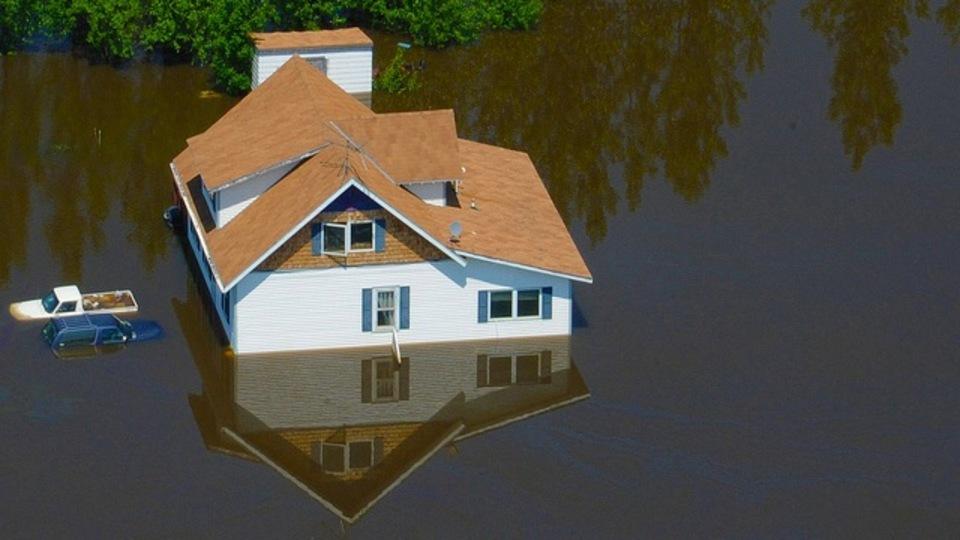あなたの火災保険は水害のダメージも補償してくれますか?