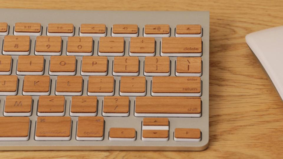 手軽にできる! Macのキーボードをぬくもりある木目柄にしてみよう
