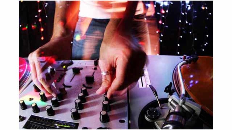 TOEICの音源もダンスミュージックに変えてしまうウェブサービス