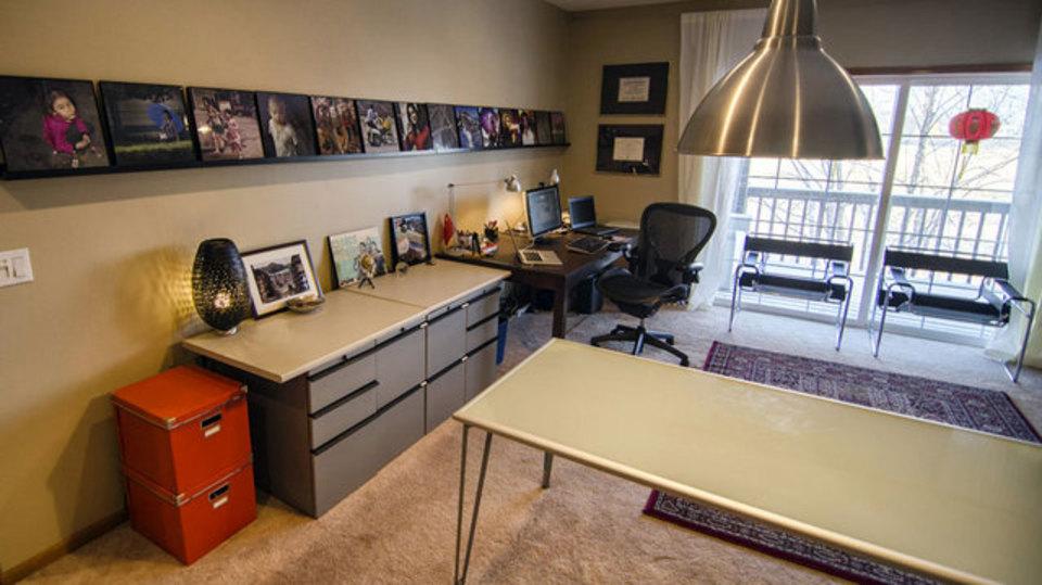 デザイナーの仕事場はイケアの家具で整然とまとまる(仕事場探訪)