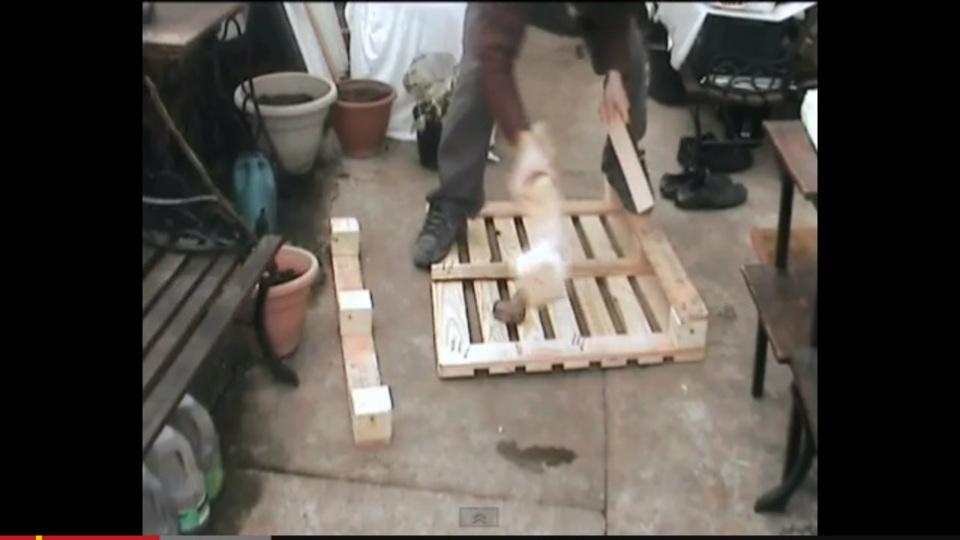 木製パレットを、傷つけることなく簡単に解体する方法