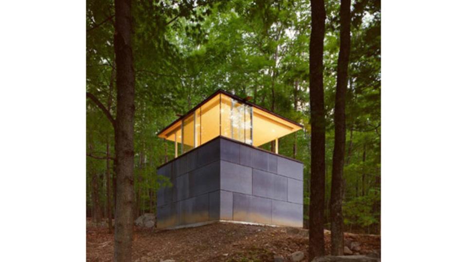 憧れる! 静かな森にたたずむ図書館のような書斎