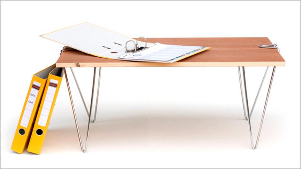 どんな板でもテーブルに変えられるクリップ