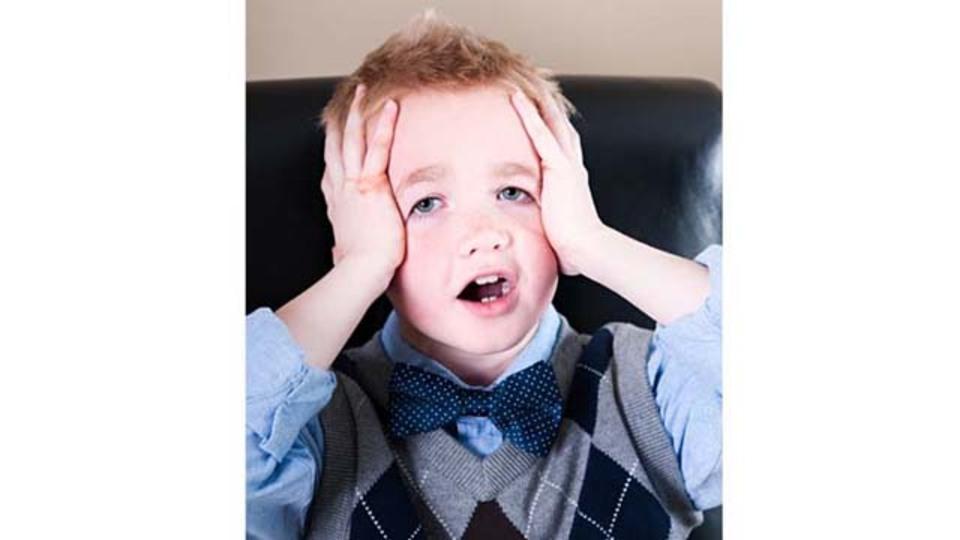 7歳児が教えてくれる「蝶ネクタイの結び方」