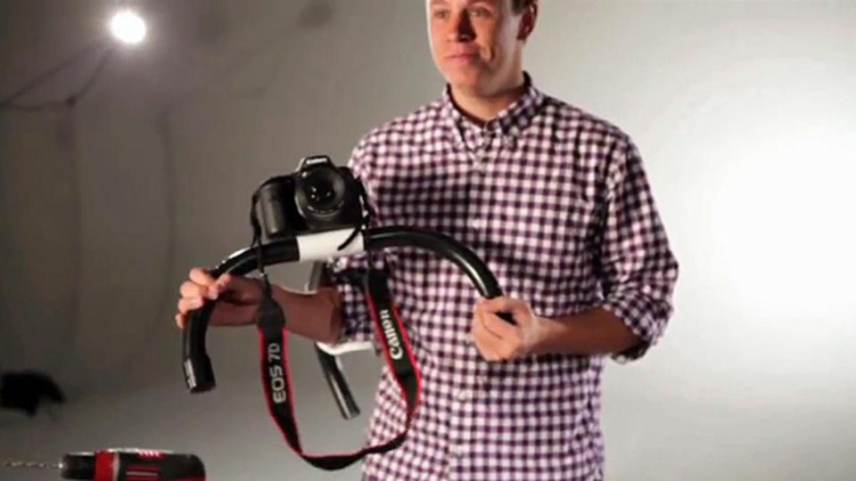 切ってつなげるだけ! PVCパイプでカメラ用のショルダーリグを激安DIY