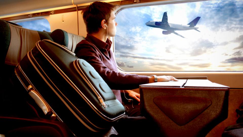 旅行の際に気をつけるべき「エコノミークラス症候群」の基本対策
