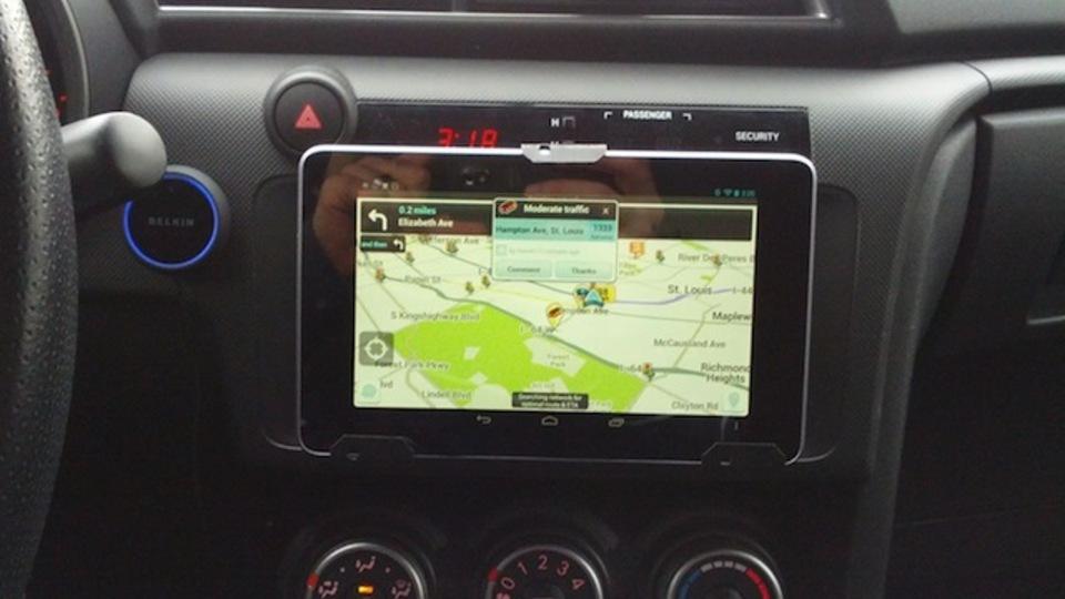 なければ作る! Nexus 7を車内にマウントして音楽からナビまですべておまかせ