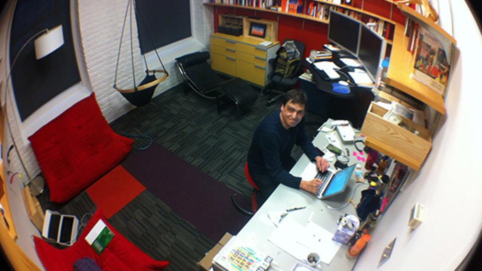 大学教授の仕事部屋に学ぶ。仕事が楽しい!オフィスのための多様性