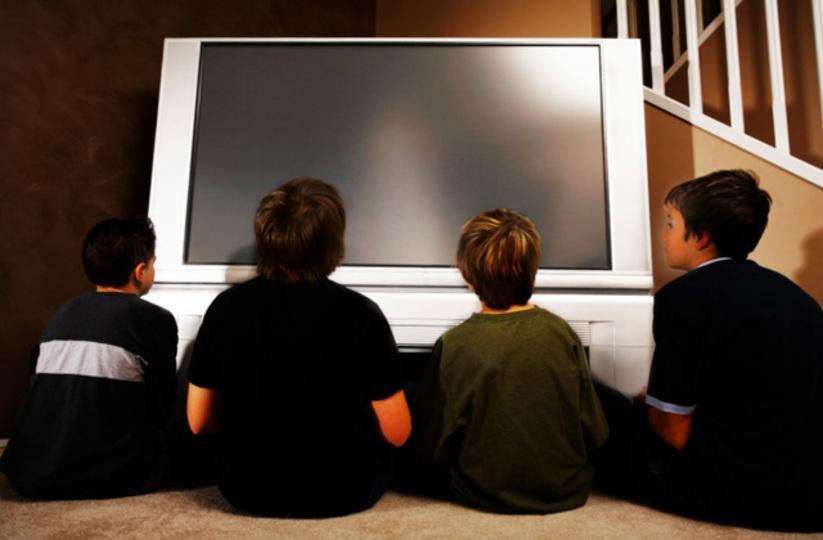 テレビの視聴距離は画面の高さの約3倍がベスト
