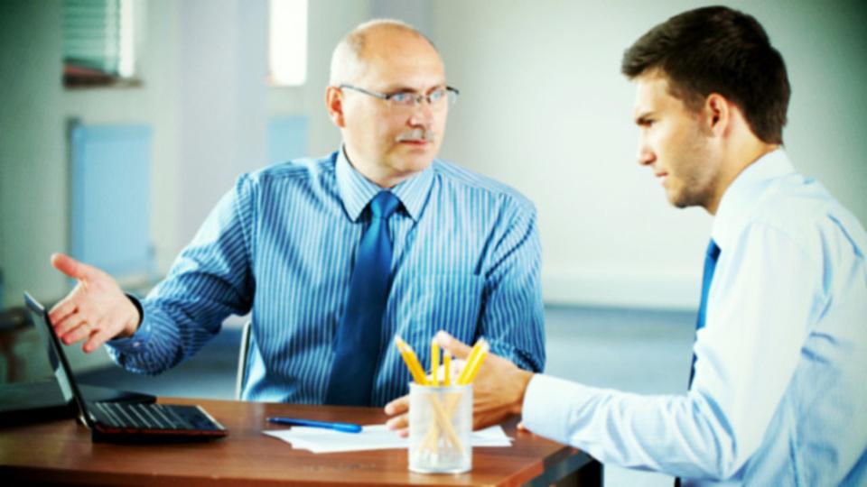 上司が間違っていることをさり気なく気付かせる大人の会話術