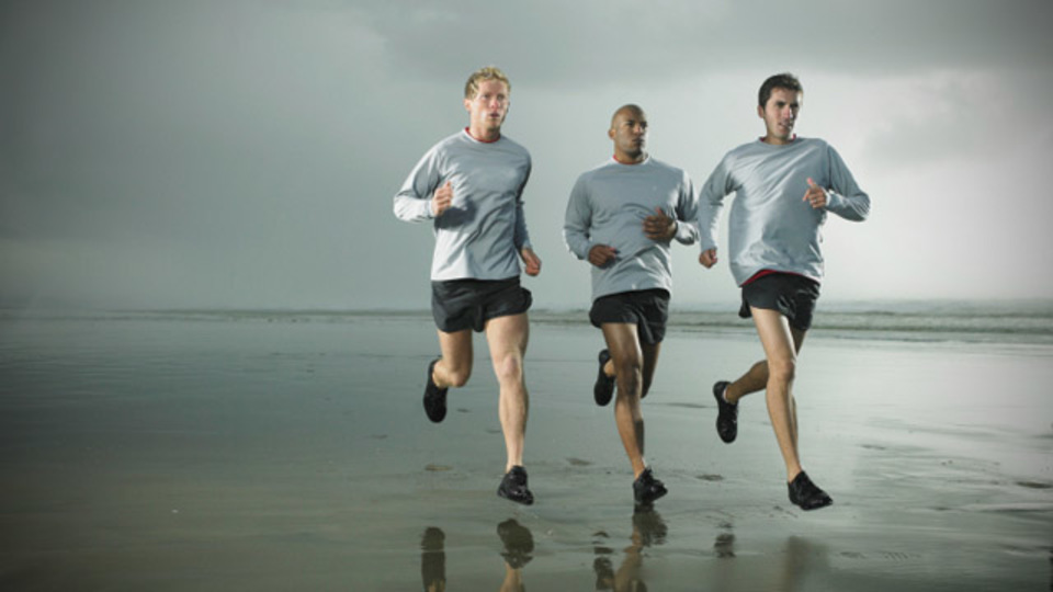 ランニングアドバイザーに聞く「ピラティスで走力を効果的にアップさせる方法」