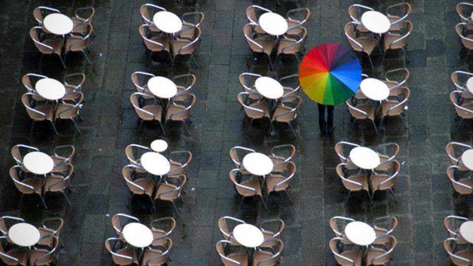 集中力を高めてくれる、雨の日のカフェの音が聞けるサイト「Rainy Cafe」