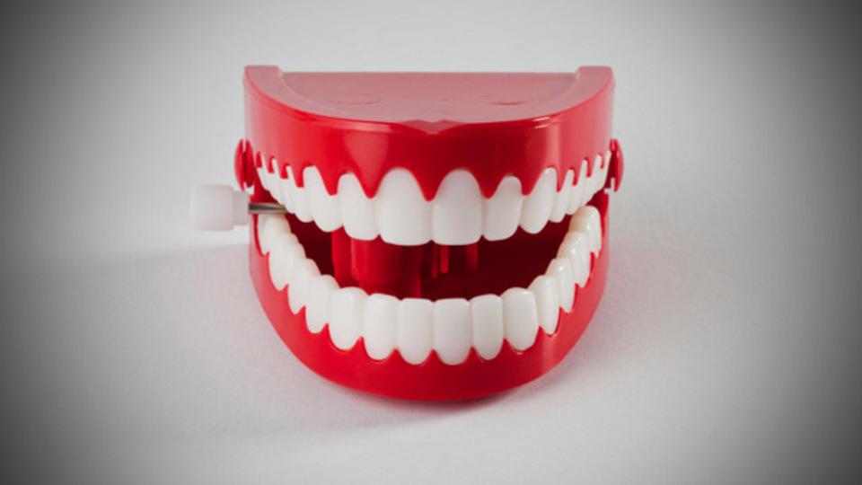 歯と歯茎のエイジングケア。心がけたい「健口美人」になるコツと習慣