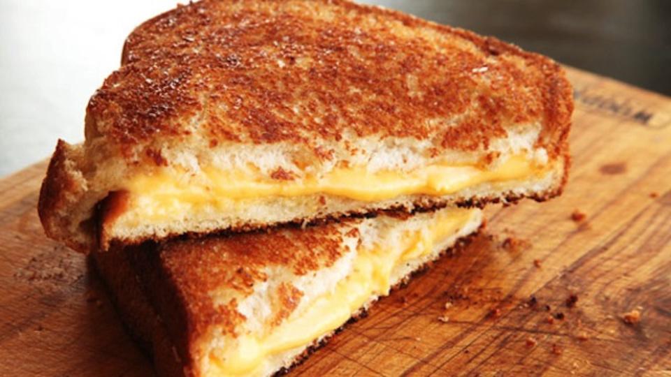 フライパンで作る「グリルドチーズサンド」が必ずおいしくなるひと工夫