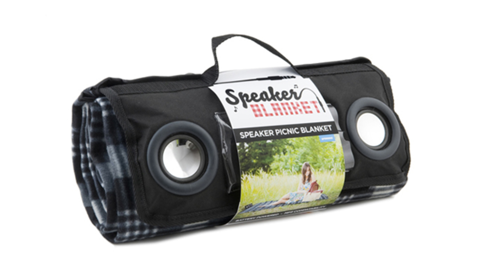 音楽好きのためのスピーカー付きブランケット「Speaker Blanket」