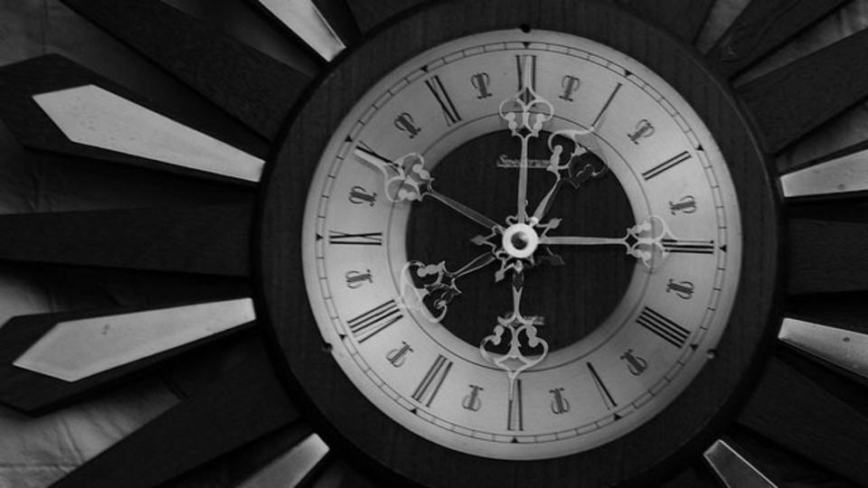 忙しい時は人のために時間を使った方が、心に余裕が生まれるらしい