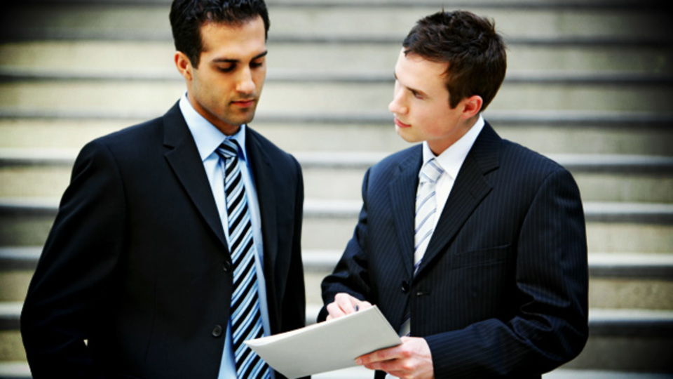 マイペースな新入社員や後輩には「ねぎらい」と「傾聴」でコミュニケーション