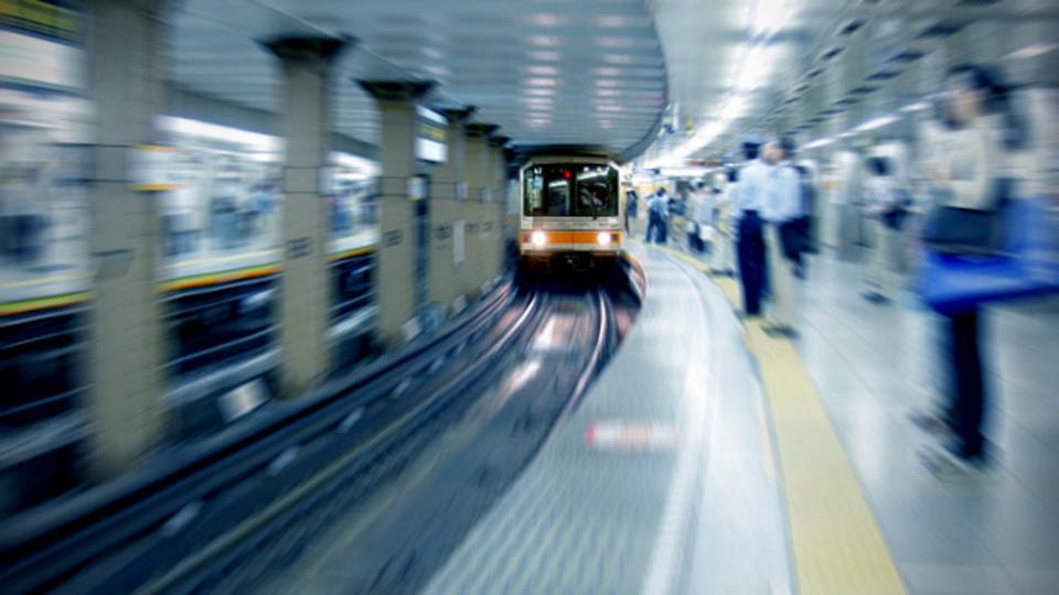東京メトロ全線でWiMAXの利用が可能に。地下鉄駅も仕事場になりそう