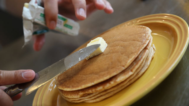 130530le_creuset_pancake_8.jpg