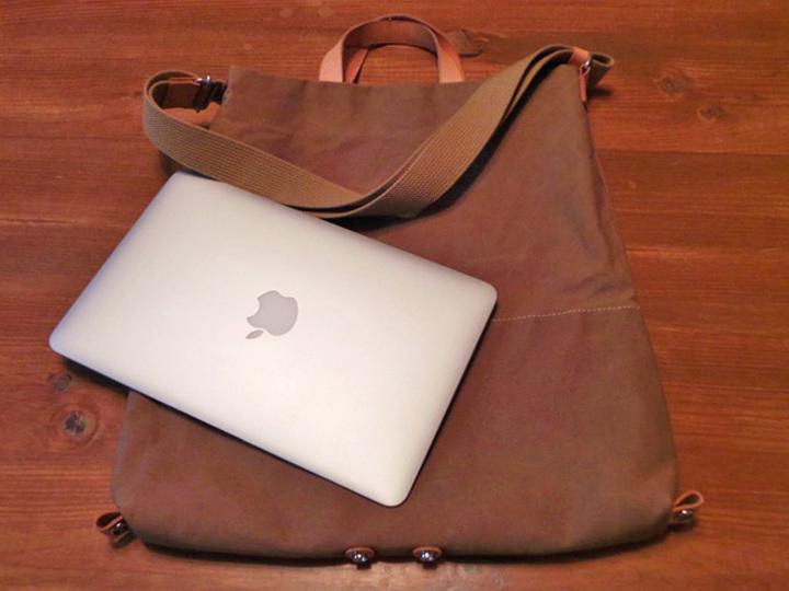 鞄好きなら気に入るはずです。ガジェットもゆったり入る兵庫県発の「豊岡鞄」