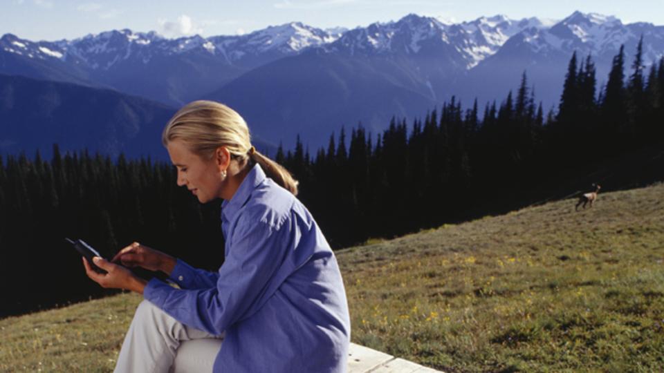 メールは心身に強いストレスを与えるという研究結果:その対処法は?