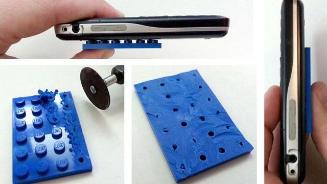 手順4:財布と携帯の裏にLEGOを取りつけ