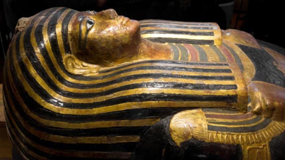 熱帯夜で寝つけないので、エジプト式睡眠法を試してみようと思う