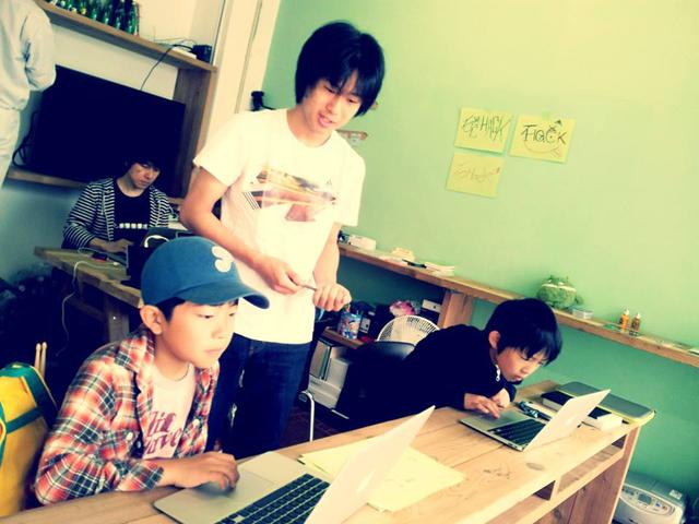 小学生向けアプリ開発ワークショップ