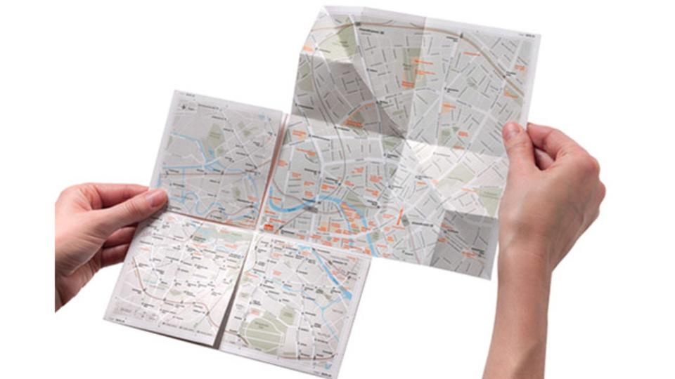 「紙なのにズームできる地図」というアイデア