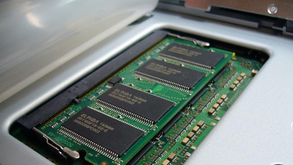SSDの寿命を伸ばすならメモリを増設するのが効果アリ