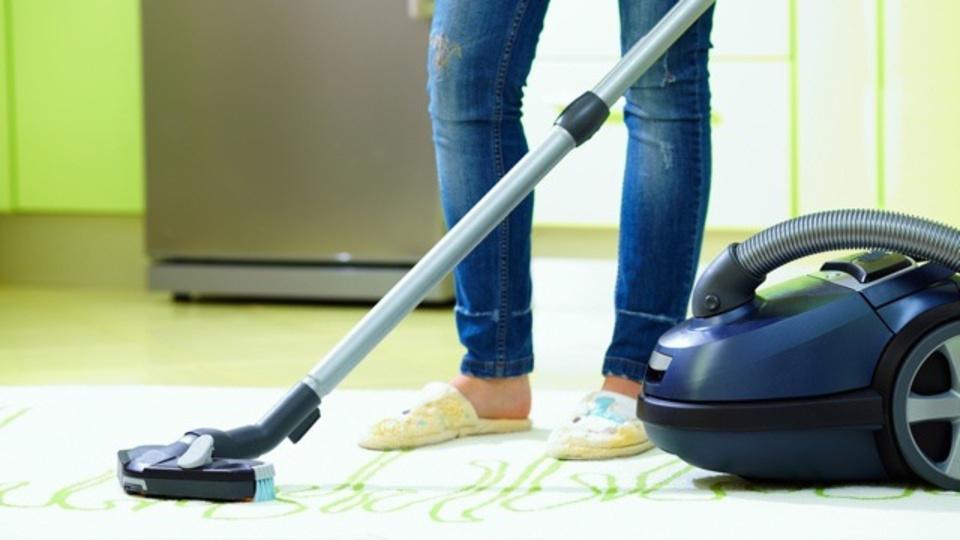 掃除機で部屋も空気もキレイにする一石二鳥の小ワザ