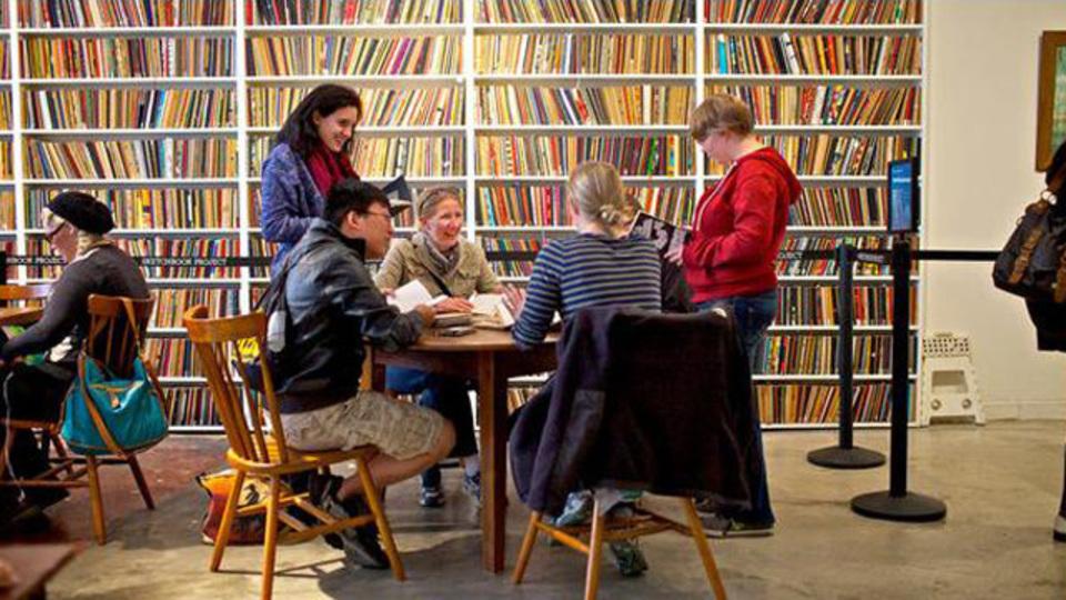 アイデアいっぱいのスケッチブックを、世界中から集めた図書館がブルックリンにある