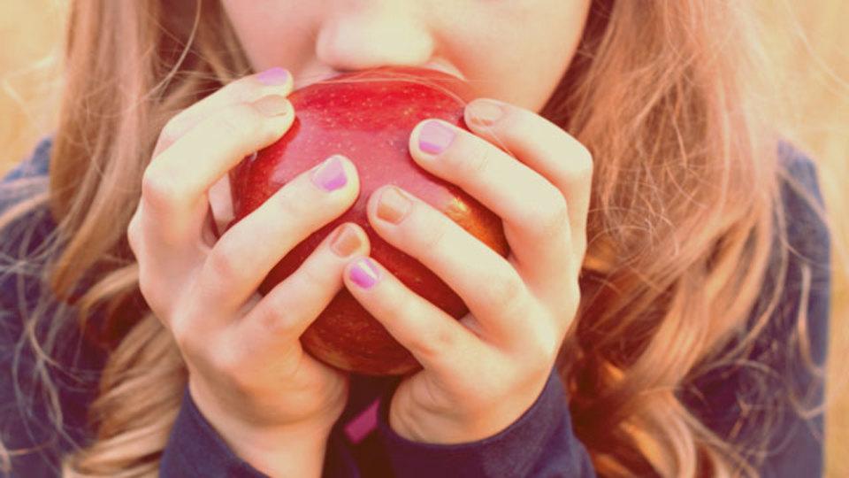 血圧が気になるならリンゴは剥かずに食べるべし:「皮」にある栄養成分とは