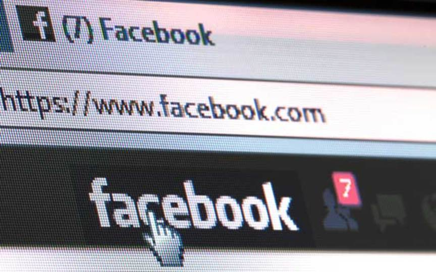 Facebookに写真を投稿し過ぎると、嫌われるリスクが高まる:研究結果
