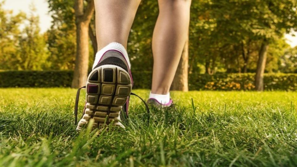 がんばらずにカロリーを消費する方法:体形維持のカギは毎日の活動量