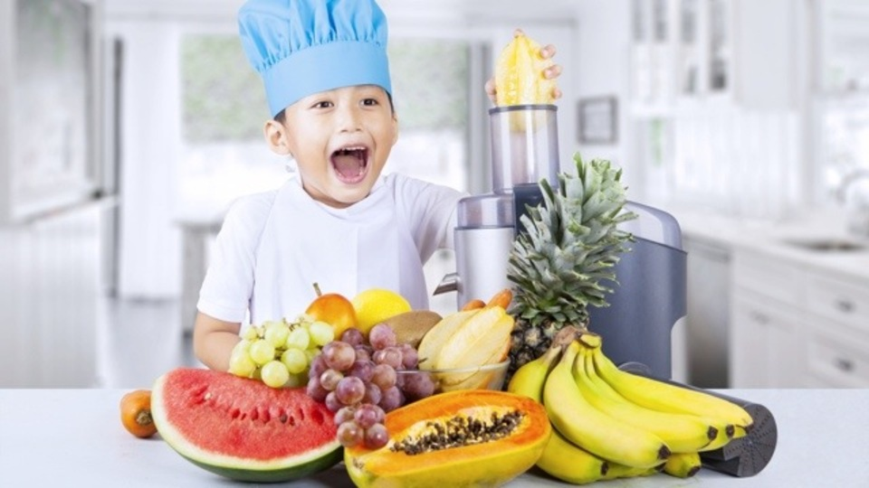 甘い、すっぱい、土っぽい!? 最高のフルーツジュースの組み合わせ