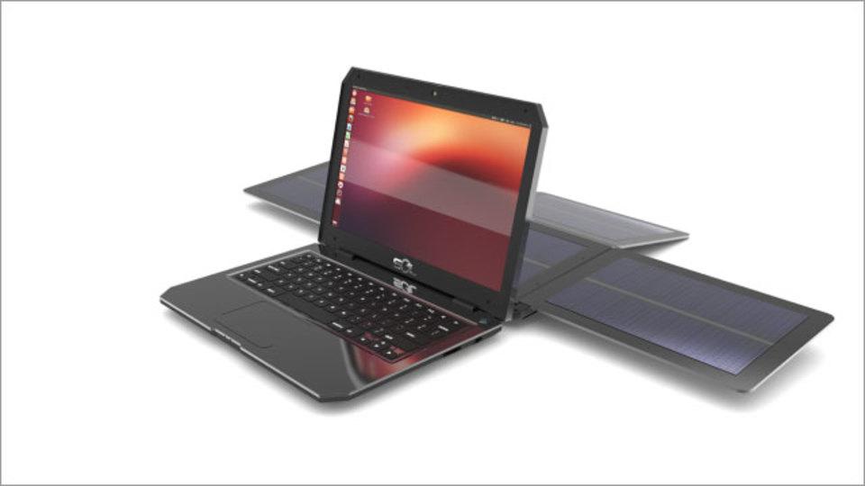 世界初の太陽エネルギーだけで動くノートPCが、エコもさておき魅力的!