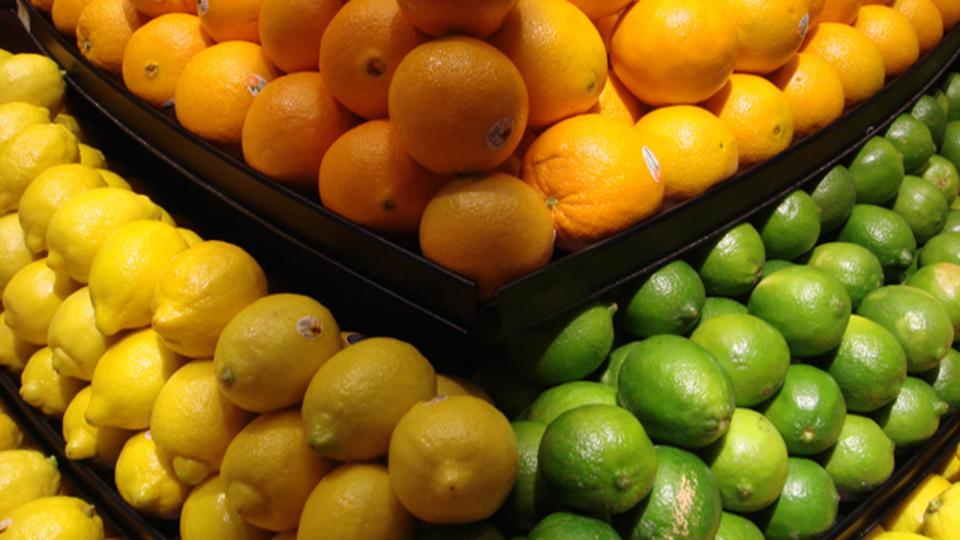 フルーツから果汁を絞り切るための3つのワザ