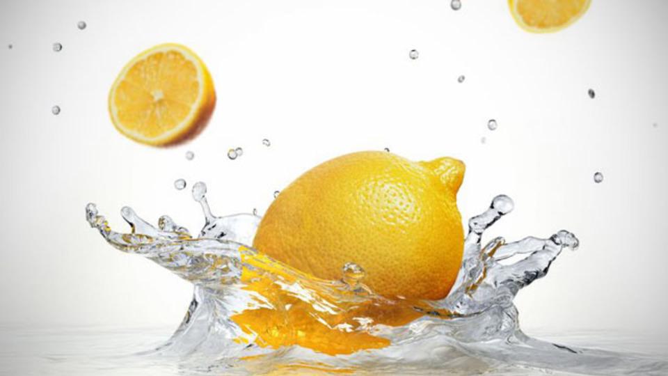 食べるでも飲むでもない、意外なレモンの12の使い道