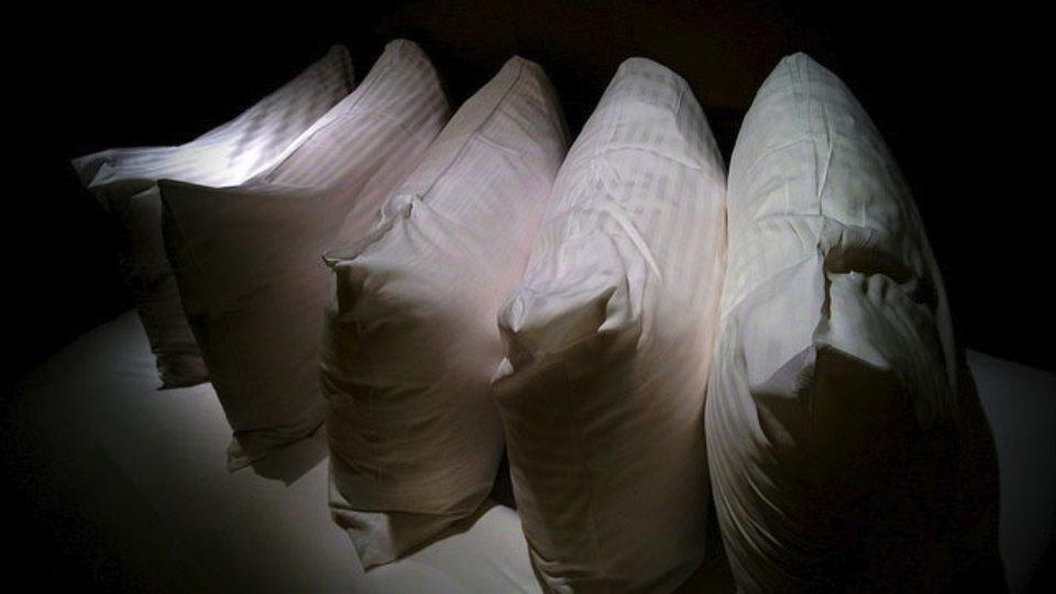 枕にも寿命があるんです。買い替え時がすぐ分かる簡単テスト