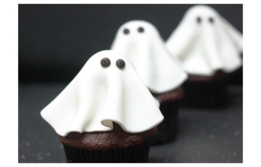 かぼちゃの横にならべたい! ハロウィンに「おばけのカップケーキ」をつくろう