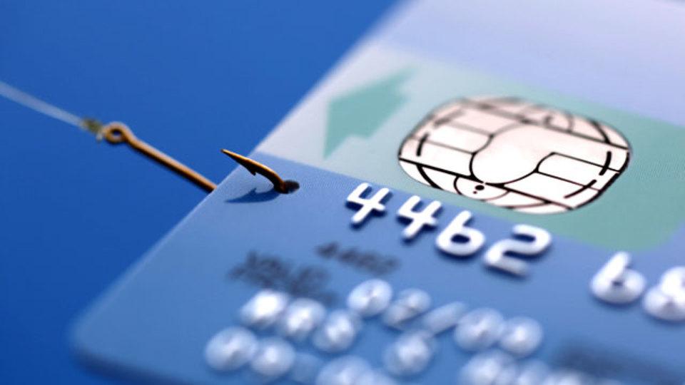 クレジットカードに潜む3つの危険な落とし穴とそれを避ける方法