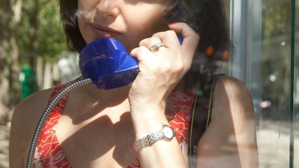 エネルギーチャージしたいと思ったら、コーヒーを飲むよりも好きな人と話したほうがいい