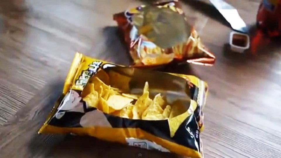 スナック菓子の袋を華麗にスナックボウルに変身させる開け方