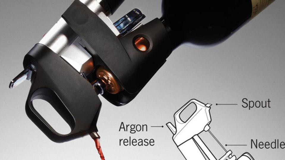手術用針を応用した「コルクを抜かずに」ワインを飲める装置、ついに開発される