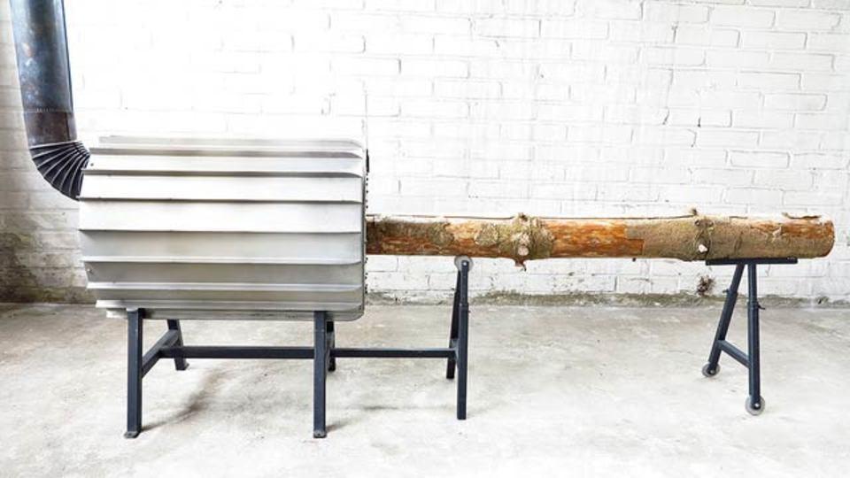 木を1本まるごと入れるストーブ「Spruce」があれば、もう薪割りしなくていい