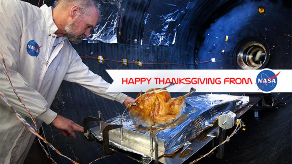 NASAは感謝祭の七面鳥を宇宙技術で焼く