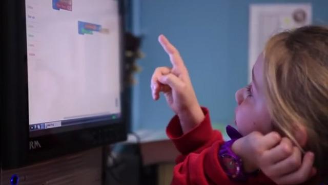 理系キッズの育成に! Raspberry Piベースの名刺サイズコンピュータキット『Kano』が大人気