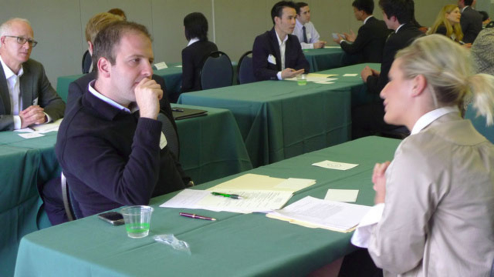 就職面接の質問で面接官があなたについて知りたいたった5つのこと