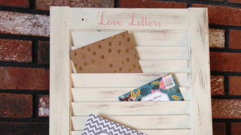 古い雨戸で郵便整理ボックスをDIYするレシピ